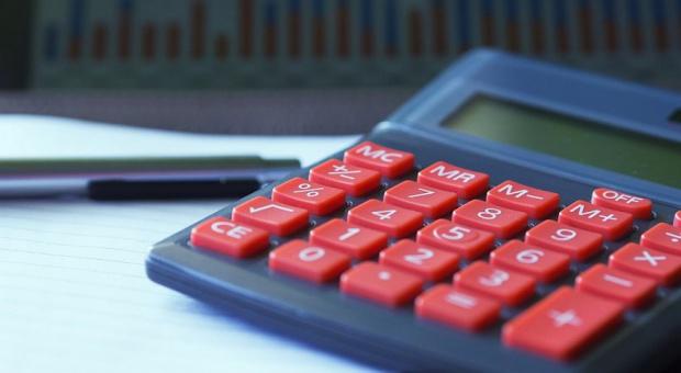 Obniżka PIT dla prowadzących działalność gospodarczą. Senat jest przeciw