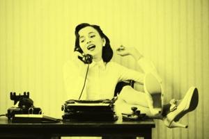 Nie chcesz irytować współpracowników? Lepiej nie rób tych rzeczy w pracy
