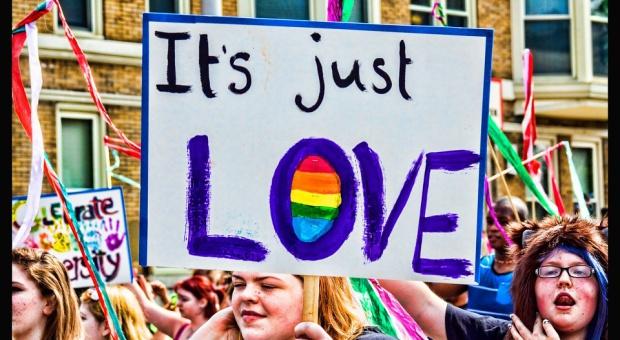 KE rozpoczyna kampanię na rzecz większej akceptacji osób LGBTI