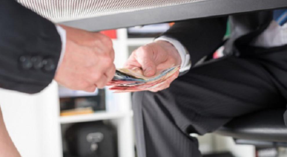Problem korupcji w biznesie nie tylko nie znika, ale jest coraz większy