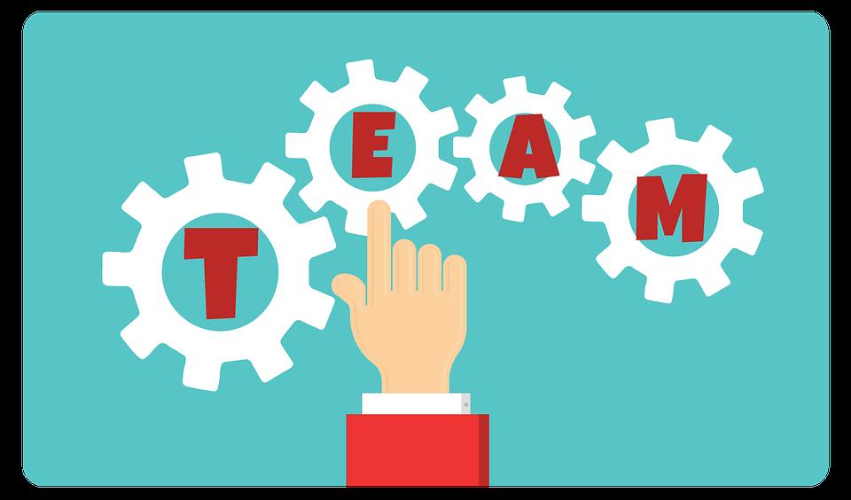Bardzo ważne jest, aby współpracownicy po prostu się lubili, ponieważ dobre relacje zwiększają efektywność wykonywanej pracy (fot.pixabay)