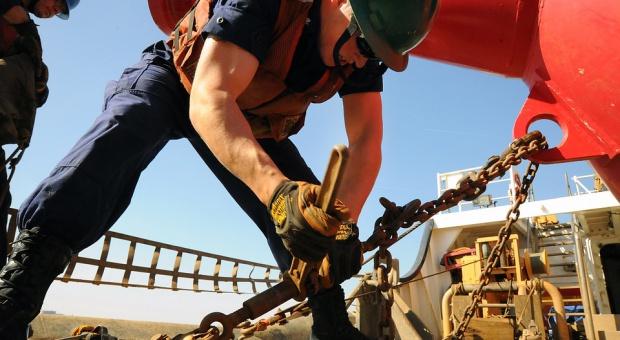 Praca na budowie:  Sektor budowlany inwestuje w ludzi. Innowacje muszą zaczekać