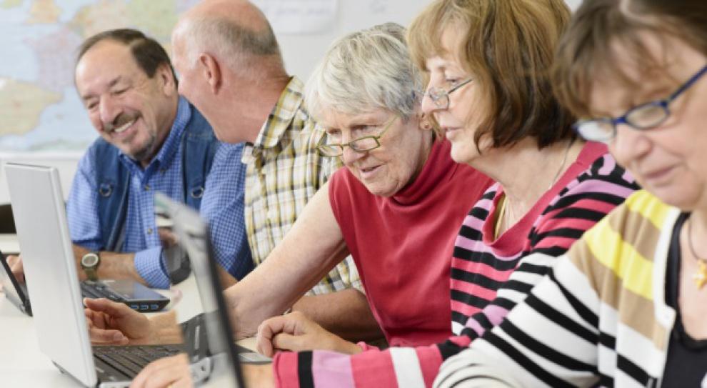 Rynek pracy musi przygotować się na seniorów. Jak?