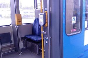 Co ma wspólnego ochrona z kontrolą biletów? Coraz więcej