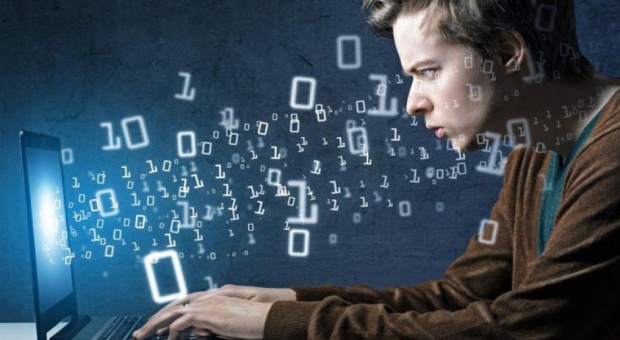 IT, praca: Biznes walczy o informatyków i programistów