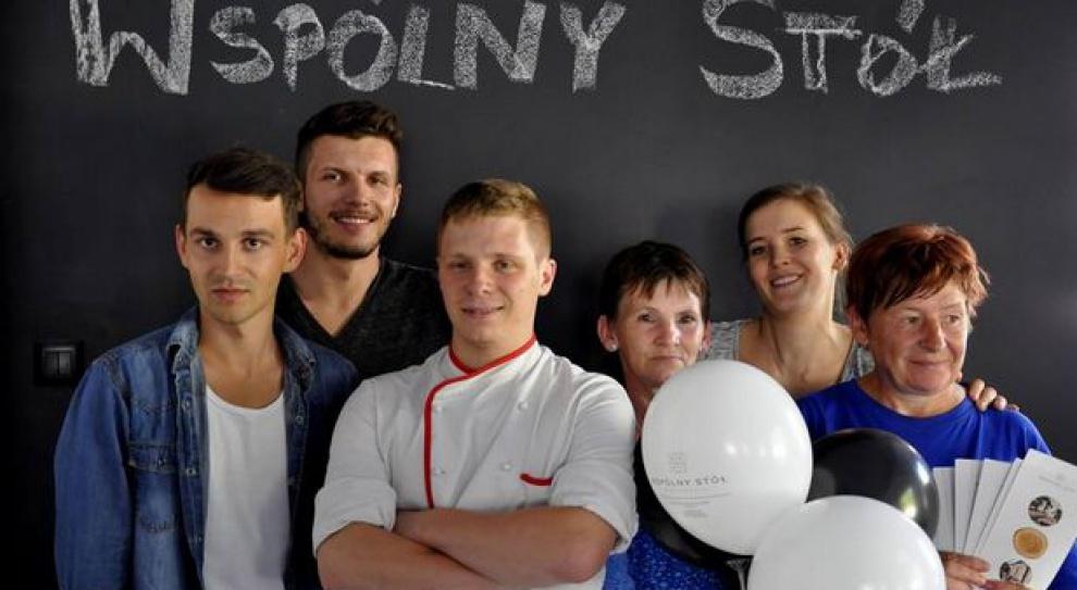 """Poznańska restauracja """"Wspólny stół"""" przyciągnęła klientów"""