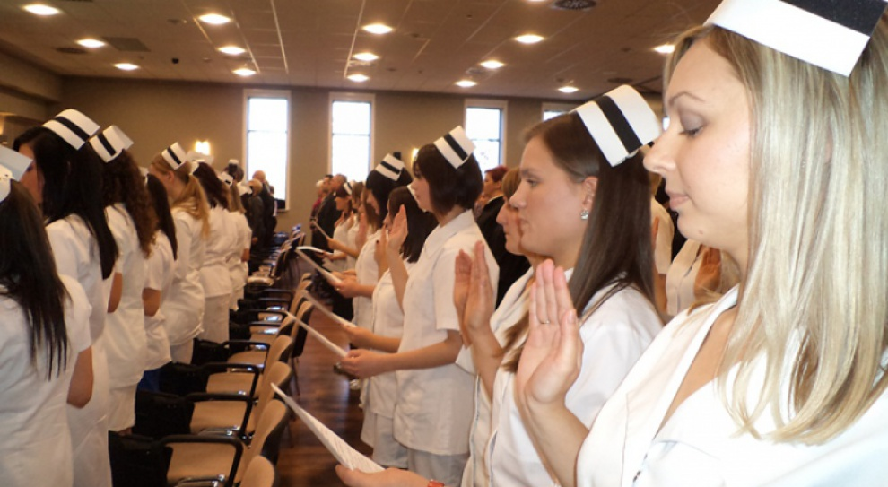 Kształcenie pielęgniarek, zmiany: Samorząd lekarski nie chce liceum i technikum pielęgniarskiego