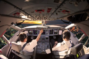 Linie lotnicze pilnie potrzebują pilotów