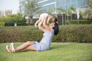 Kobiety płacą wysoką cenę za macierzyństwo