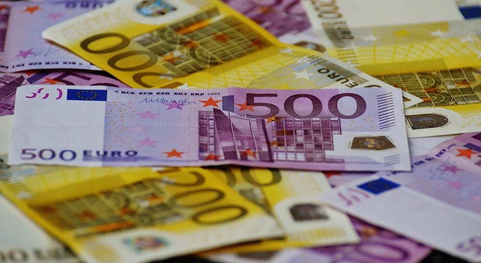 Praca za granicą: Polacy przesyłali do Polski ponad 16 mld zł