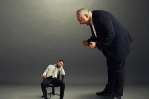 Dyskryminacja i nierówne traktowanie w pracy: Jak walczyć o swoje prawa?