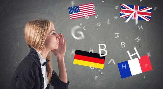 Języki obce w pracy: Kto powinien je znać?