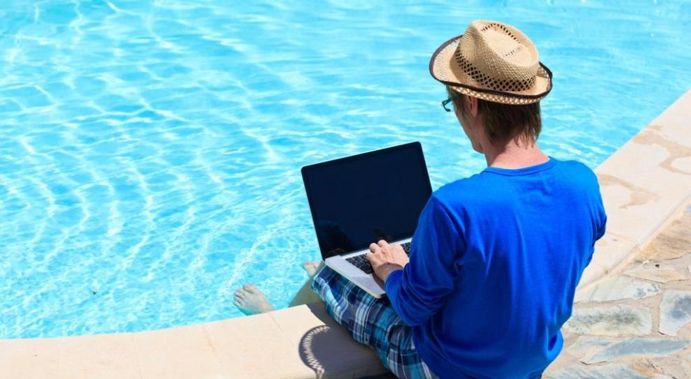 Wakacje przestają być synonimem urlopu. To dobry czas na zmianę pracy