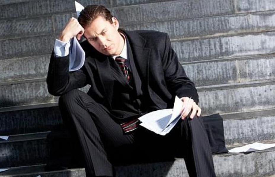 Na wykonanie wszystkich zadań i obowiązków pracownikom coraz częściej nie wystarcza ośmiogodzinny dzień pracy (fot.sxc.hu)