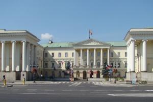 Warszawa: urzędnik czuje się pomówiony, złożył wypowiedzenie