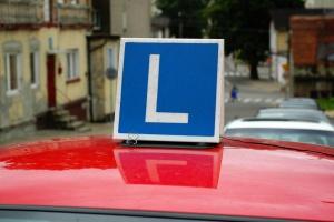Szkoleniowcy chcą wprowadzenia jednolitych cen za kurs nauki jazdy