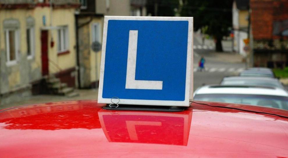 Prawo jazdy, koszt: Szkoleniowcy chcą urzędowych cen za kurs nauki jazdy