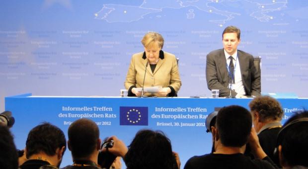 Uchodźcy, Merkel: Problem uchodźców przerósł oczekiwania