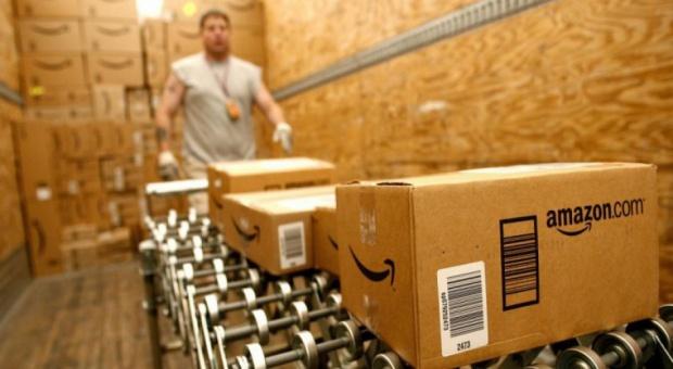 Praca tylko cztery dni w tygodniu? Amazon testuje nowy czas pracy