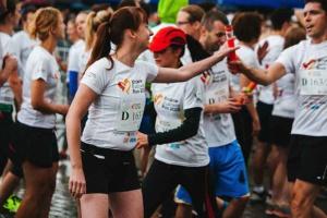 Akcje charytatywne - sposób na pomoc, ale też promocję firmy