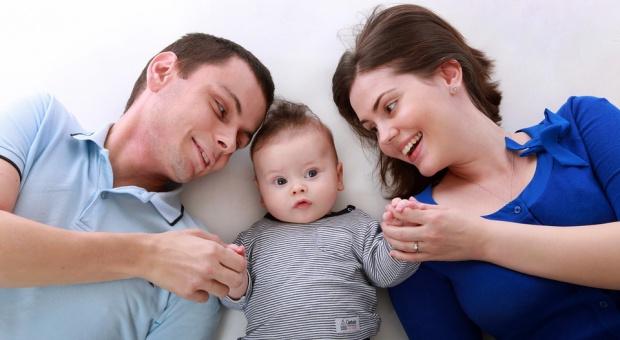 Urlop rodzicielski: MRPiPS mówi, co warto wiedzieć