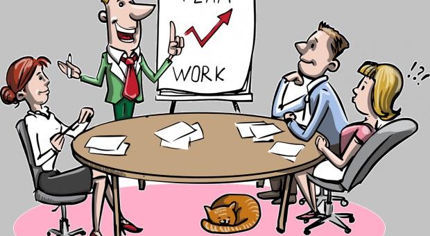 Ile zarabia specjalista, a ile kierownik ds. szkoleń i rozwoju?
