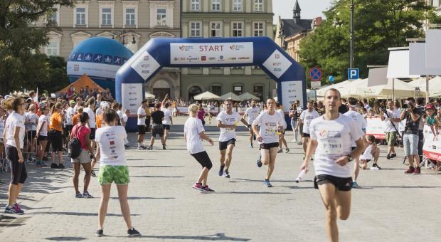Poland Business Run: Pracownicy podczas charytatywnego biegu uzbierali ponad 1 mln zł dla potrzebujących