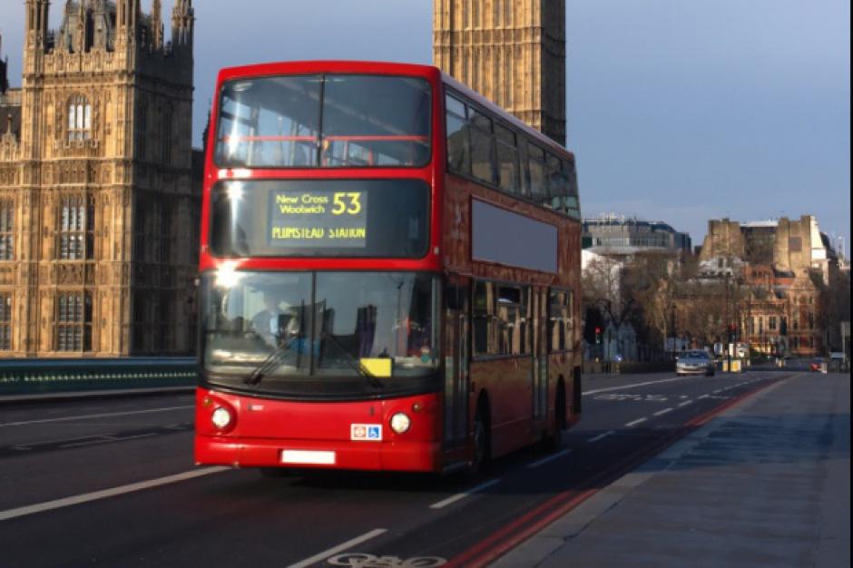 Praca za granicą: Coraz więcej Polaków emigruje do Niemiec i Wielkiej Brytanii