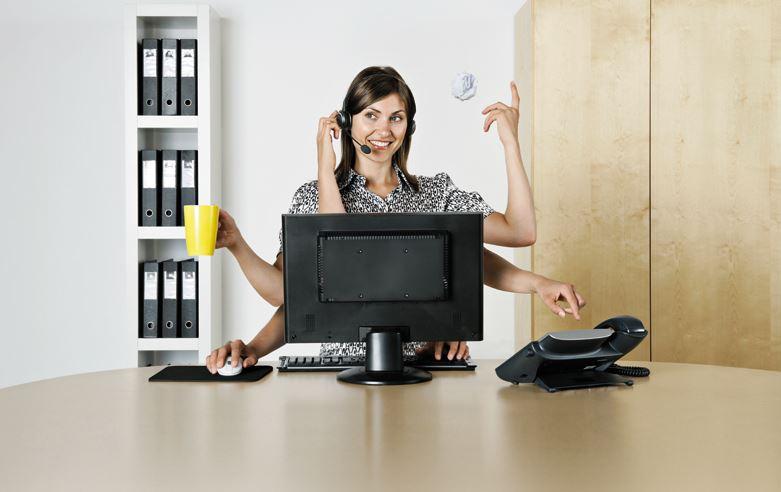 Asystentka potrafi załatwić wiele spraw, także tych niemożliwych do załatwienia (fot.fotolia)