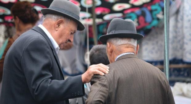 Emerytury i renty: Waloryzacja mieszana z opóźnieniem. Ile dostaną emeryci i renciści?