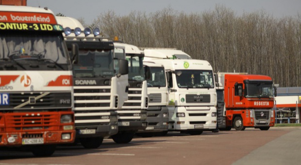 Pracownicy delegowani, transport: Polskie związki za unijną płacą minimalną