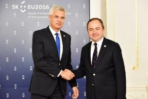 Polska za odstąpieniem od kwot uchodźców