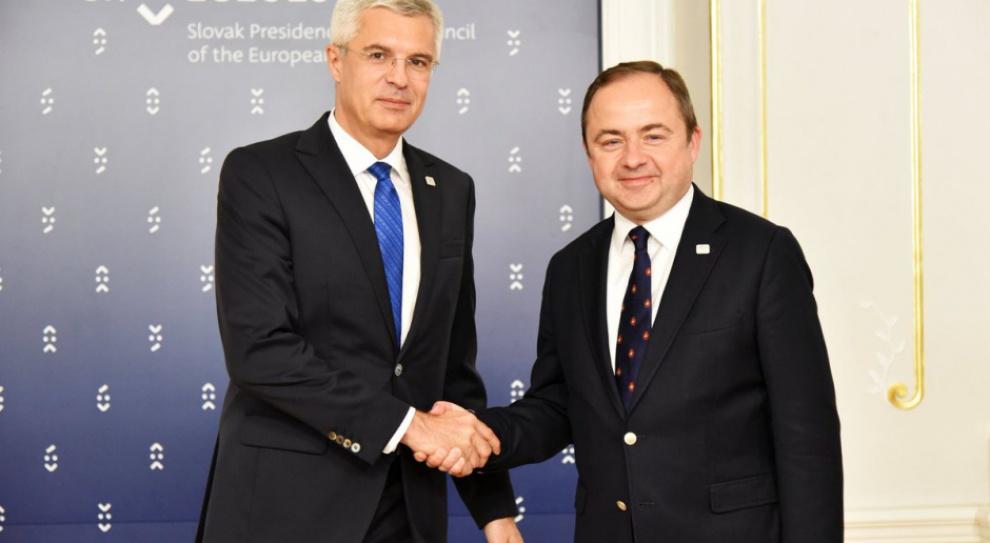 Uchodźcy: Polska za odstąpieniem od kwot uchodźców