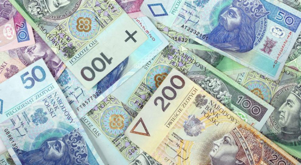 Płaca minimalna: Od 2017 roku 2 tys. zł miesięcznie lub 13 zł za godzinę