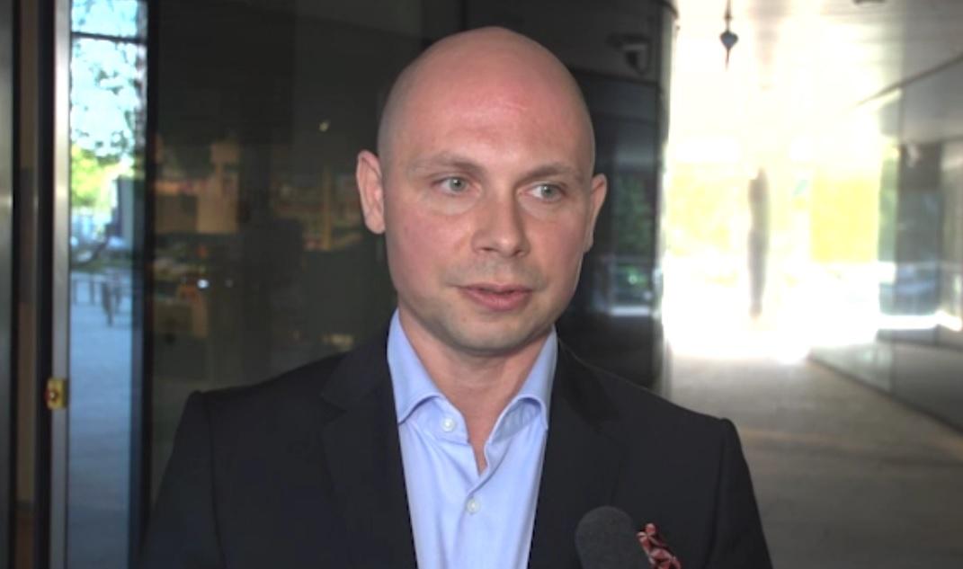 - Grywalizacja jest połączeniem dwóch światów: gier i biznesowego - mówi Adam Beniowski (fot.newsrm.tv)