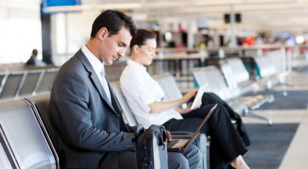 Delegowanie pracowników: Zatrudnieni przeżywają ogromny stres związany z wyjazdem