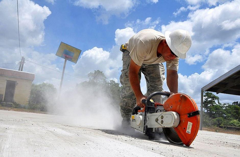 Praca na budowie, wypadki: Związkowcy apelują o kodeks dobrych praktyk firm budowlanych