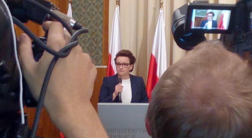 Reforma oświaty, szkoły zawodowe, Zalewska: Pracodawcy nie mogą dłużej czekać