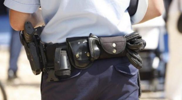 Policjanci oburzeni napisami na bluzach. Złożą zawiadomienie do prokuratury