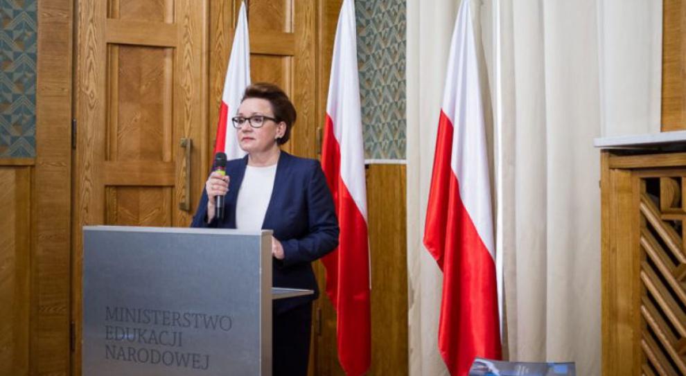 Anna Zalewska: Gimnazja wygasiły się same