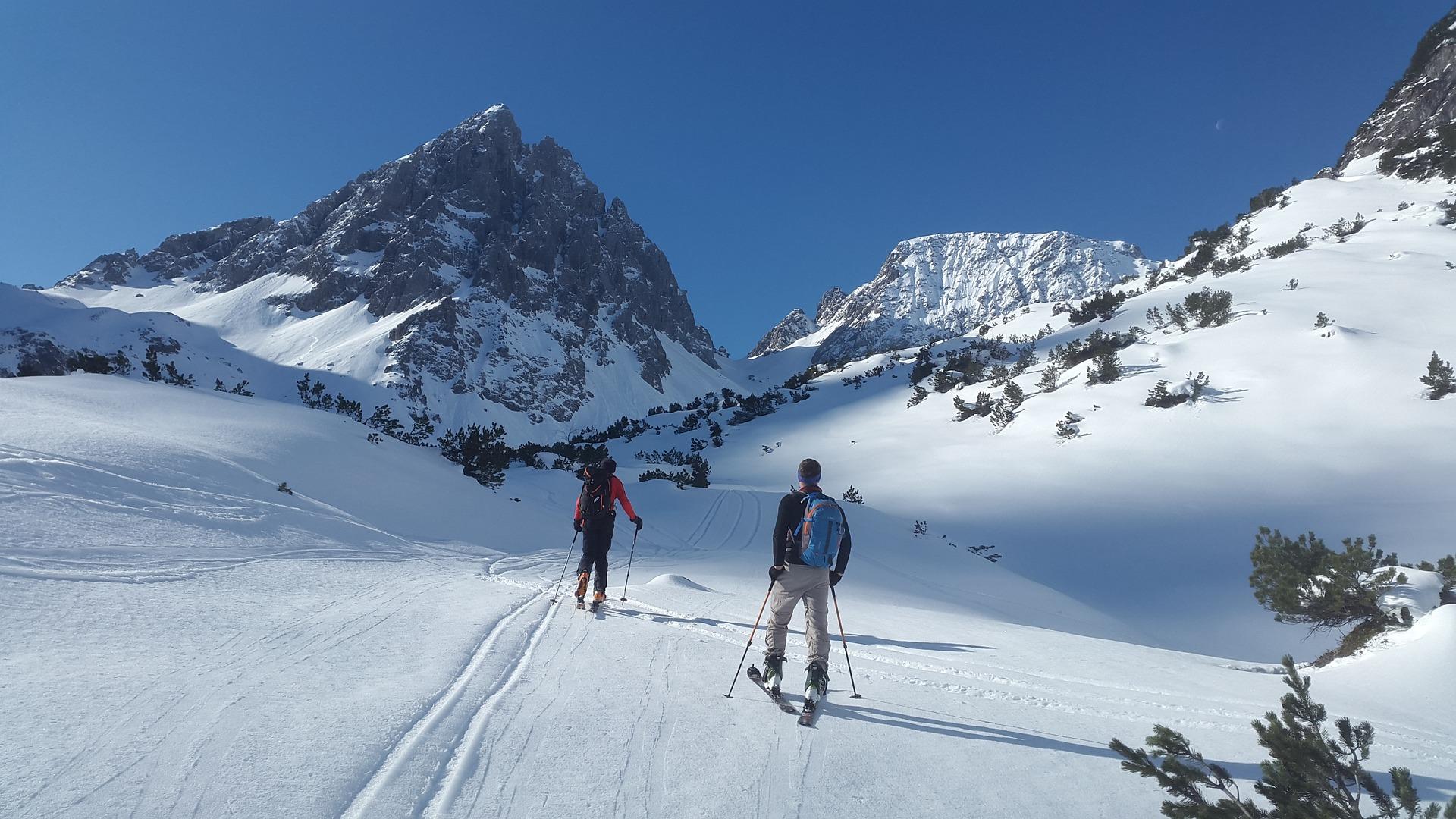 - Jeśli planujemy narty w tym roku, warto zrobić to właśnie teraz, kiedy te ceny są najbardziej atrakcyjne – przekonuje Magda Plutecka. (Fot. Pixabay)