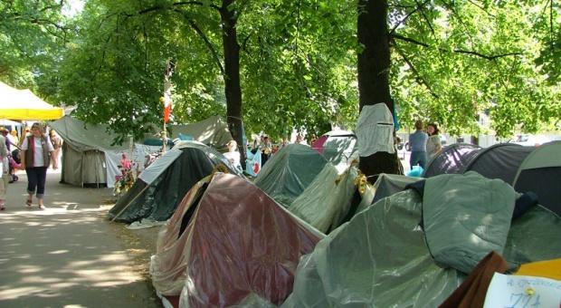 """Schetyna: PiS nie wyciąga wniosków z """"białego miasteczka"""""""