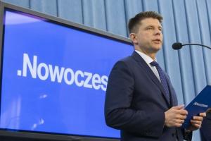 Petru: 227 osób ze spółek Skarbu Państwa do zwolnienia