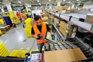 Amazon zwalnia i zatrudnia. Związkowcy będą protestować