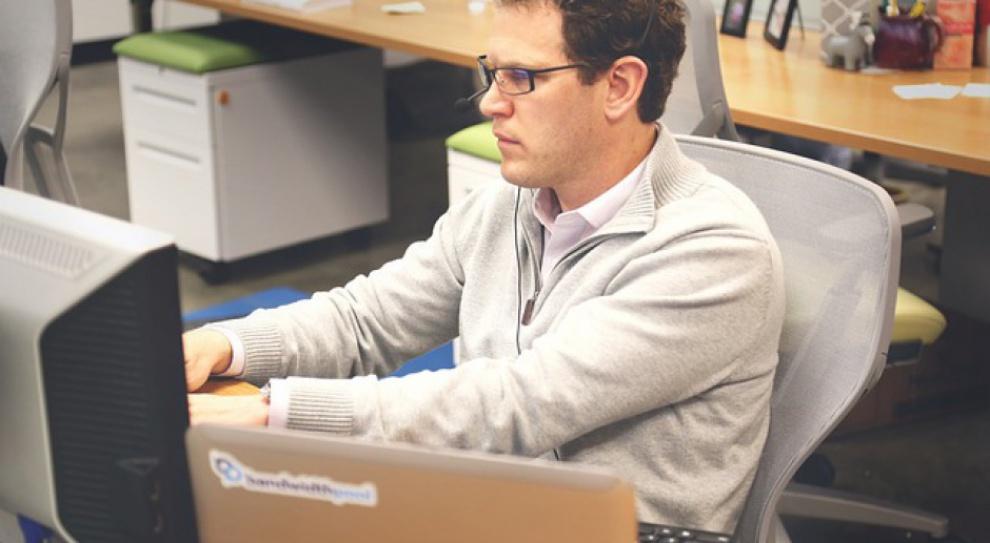 W Ministerstwie Cyfryzacji brakuje specjalistów IT. Problem tkwi w niskich pensjach