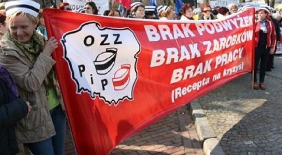 Manifestacja PZM: Związki domagają się większych nakładów na ochronę zdrowia i lepszego wynagrodzenia