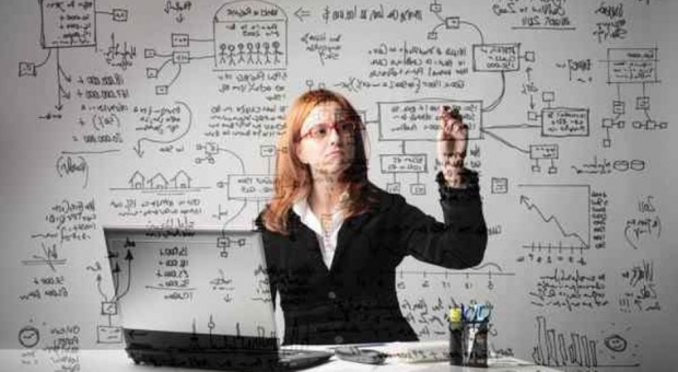 Rekrutacja: Na co patrzą rekruterzy? Liczą się nie studia, a umiejętności, wiedza i języki