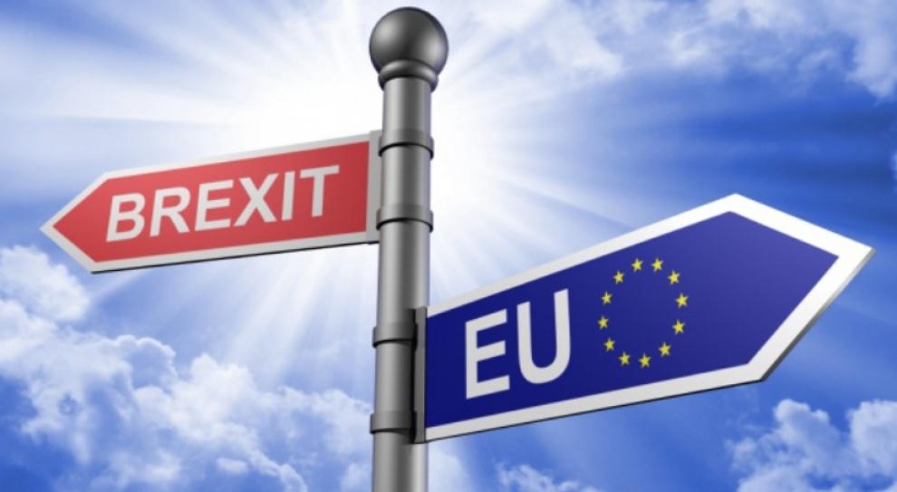 """Brytyjski rząd przedstawił plany dot. obywateli UE w razie """"twardego"""" Brexitu"""