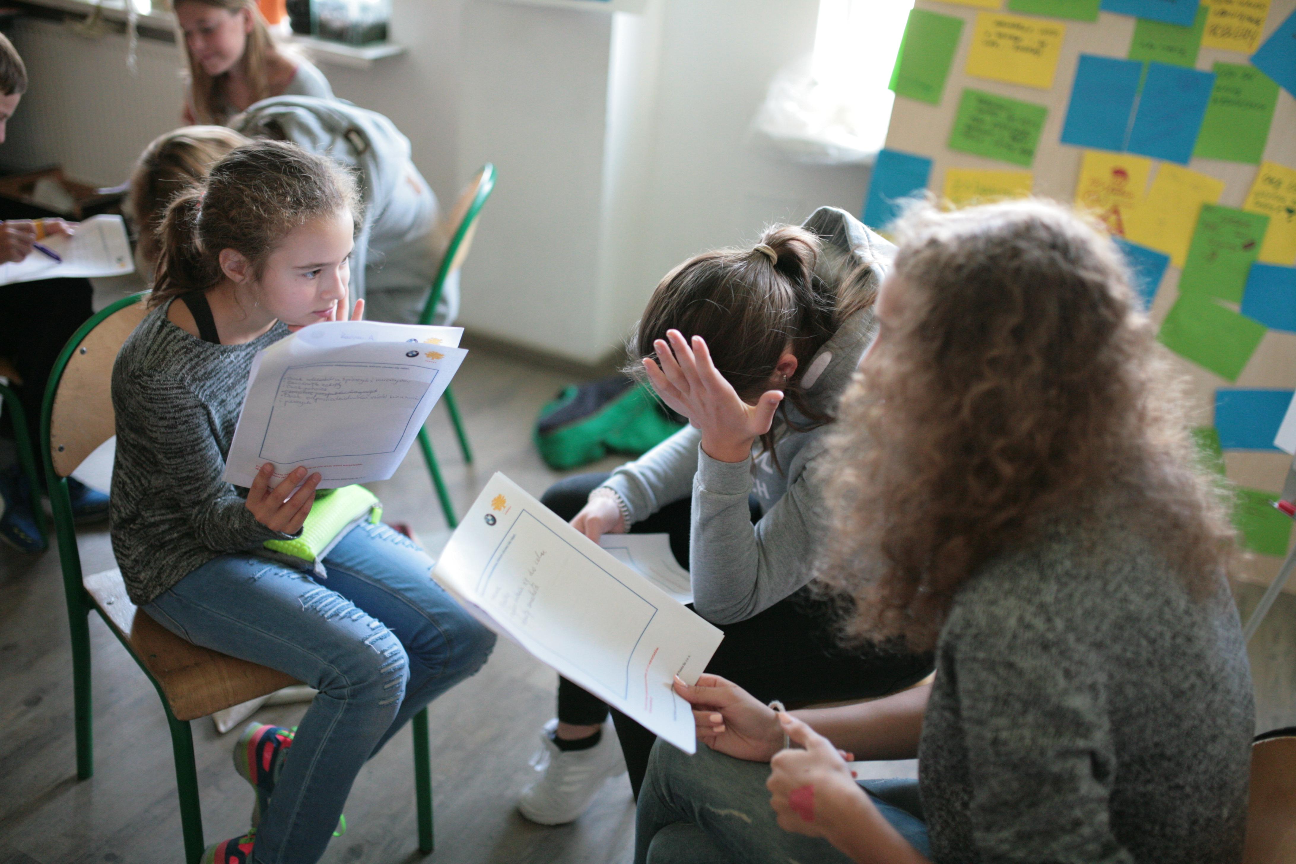 Jesienią w sześciu szkołach w całej Polsce odbędą się spotkania z uczniami doświadczonych innowatorów społecznych z uczniami oraz warsztaty. (fot. mat.pras.)