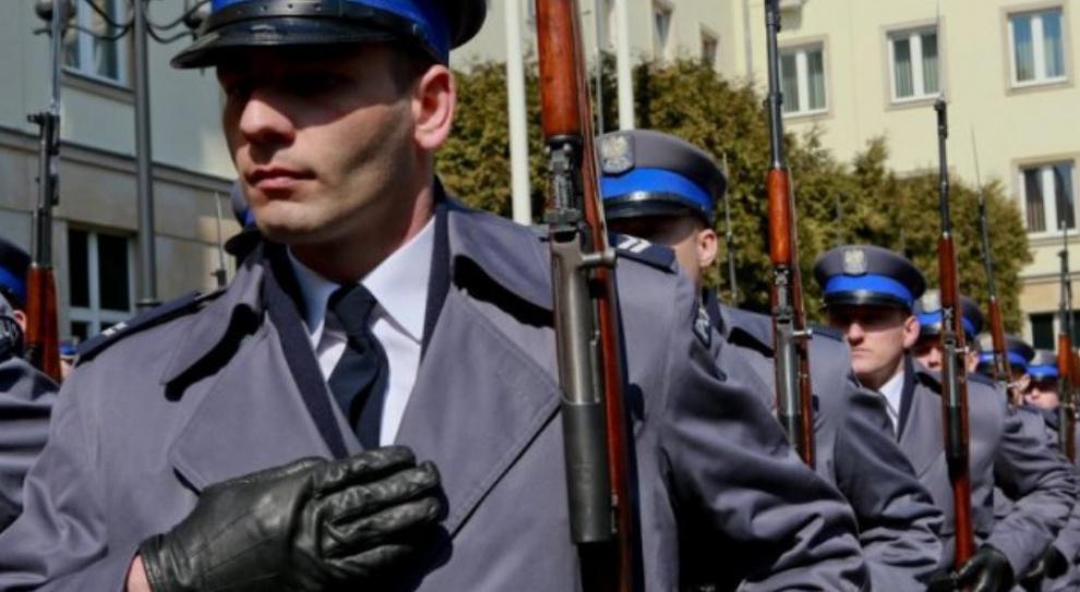 Błaszczak: Od 1 stycznia 2017 r. podwyżki dla służb mundurowych